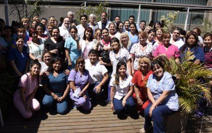 AGASAJO A TRABAJADORES EN EL DÍA DE LA ENFERMERÍA EN MALVINAS ARGENTINAS