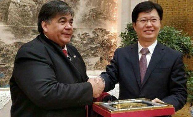 ISHII BUSCA ACUERDOS INDUSTRIALES EN CHINA PARA TRAER FUENTES DE TRABAJO