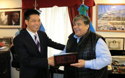 COMITIVA CHINA PRESIDIDA POR INTENDENTE DE SHANGRAO SE ENTREVISTÓ CON EL INTENDENTE DE JOSÉ C. PAZ ISHII