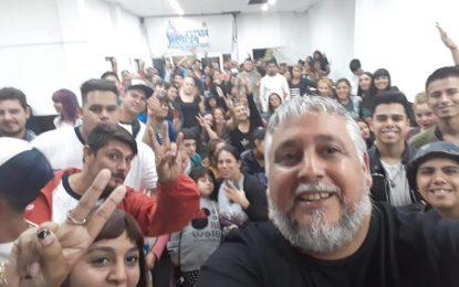 """GRAN PLENARIO DE LA JUVENTUD DE LA AGRUPACIÓN """"POR LA RUTA DE PERÓN"""" EN JOSÉ C. PAZ"""