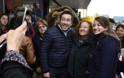 LEO NARDINI ACOMPAÑÓ A SOL JIMÉNEZ RECORRIENDO EL CENTRO DE LOS POLVORINES