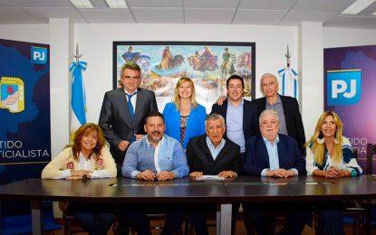 EL PJ NACIONAL PLANTA BANDERA DE UNIDAD CONTRA EL PRESUPUESTO DEL FMI Y MACRI