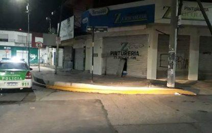 HINCHAS DE RIVER DETENIDOS TRAS DESVALIJAR UNA PINTURERÍA EN GRAND BOURG