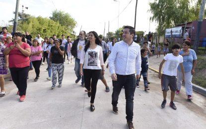 NUEVO PAVIMENTO QUE FACILITA EL DRENAJE CON EL RESERVORIO QUE SE CONSTRUYE EN MALVINAS ARGENTINAS
