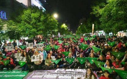 """""""EL EJÉRCITO DE DIOS"""" ATACÓ CON HUEVOS Y GAS PIMIENTA EN SAN MIGUEL A MUJERES QUE MANIFESTABAN POR EL """"NiUnaMenos"""