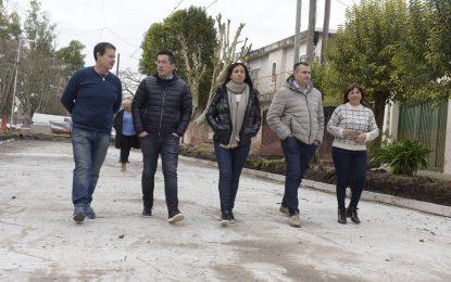 LEO NARDINI RECORRIÓ OBRA DE NUEVO PAVIMENTO CON HIDRÁULICA EN VILLA DE MAYO