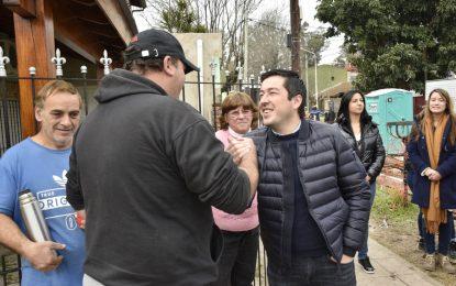 EL INTENDENTE NARDINI SUPERVISÓ OCHO CUADRAS DE ASFALTO CON HIDRÁULICA EN POLVORINES