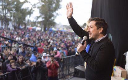 EN EL LUGAR DE LA FAMILIA CON 100.000 PERSONAS FESTEJANDO EL DÍA DEL NIÑO COMO SOLO MALVINAS ARGENTINAS SUELE HACERLO
