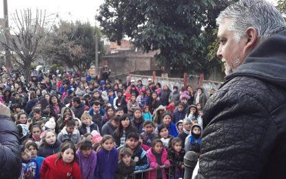 LITO DENUCHI CON AGRUPACIÓN POR LA RUTA DE PERÓN FESTEJARON EL DÍA DEL NIÑO