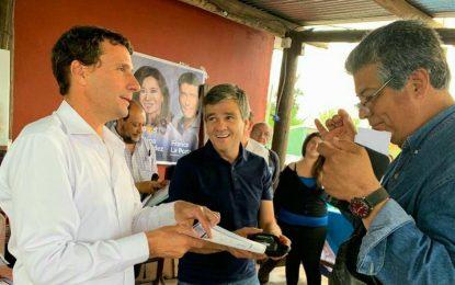 FRANCO LA PORTA RECIBIÓ EL APOYO DE JUAN ZABALETA EN SAN MIGUEL EN  ENTREGA DE ANTEOJOS GRATUITOS