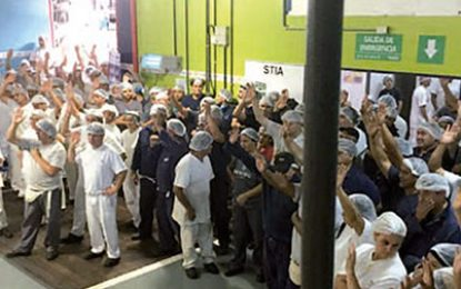 TRABAJADORES DE MONDELEZ PLANTA PACHECO RECHAZAN SUSPENSIONES POR SEIS MESES