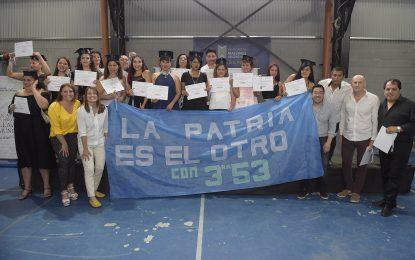 EGRESARON 300 ALUMNOS DEL PLAN FINES II EN MALVINAS ARGENTINAS CON LA PRESENCIA DEL INTENDENTE NARDINI