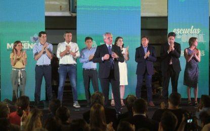 EL PRESIDENTE FERNÁNDEZ CONVOCÓ A TRABAJADORES DE LA ECONOMÍA POPULAR PARA PONER DE PIE A LAS ESCUELAS
