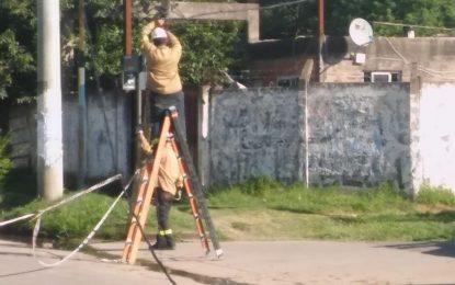 UN SECTOR DE MARILO ESTÁ SIN LUZ EN SAN MIGUEL POR IMPRUDENCIA MUNICIPAL