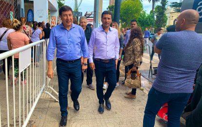 EL MINISTRO ARROYO JUNTO A FRANCO LA PORTA EN LA ENTREGA DE LAS TARJETAS ALIMENTAR EN SAN MIGUEL