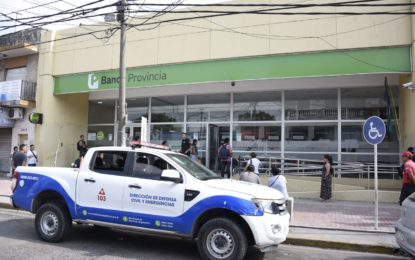 EN MALVINAS ARGENTINAS HAY CONTROL DE DISTANCIAMIENTO SOCIAL EN ENTIDADES BANCARIAS