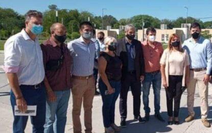 EL MINISTRO FERRARESI ENTREGÓ VIVIENDAS EN SAN MIGUEL RODEADO DEL FRENTE DE TODOS  JUNTO AL INTENDENTE DE CAMBIEMOS