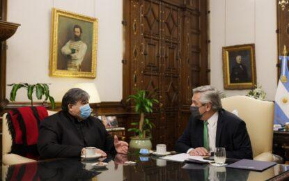 EL PRESIDENTE ALBERTO FERNÁNDEZ RECIBIÓ EN LA ROSADA AL INTENDENTE PACEÑO MARIO ISHII