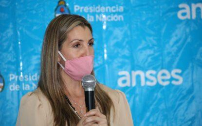 MARIANA ÁVILA ENTREGÓ RESOLUCIONES JUBILATORIAS DE ANSES EN JOSÉ C. PAZ